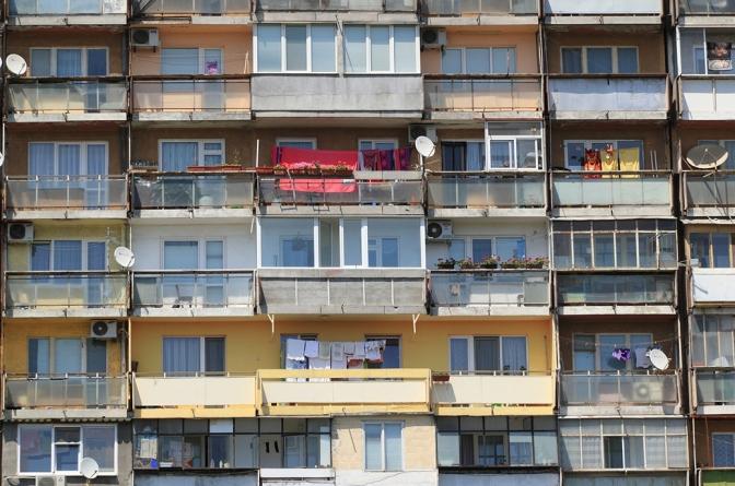 Case, appartamenti, poveri