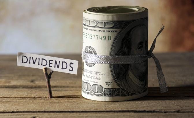Agenzie di rating. Santoro (CS): guardiani del liberismo con una precisa agenda politica